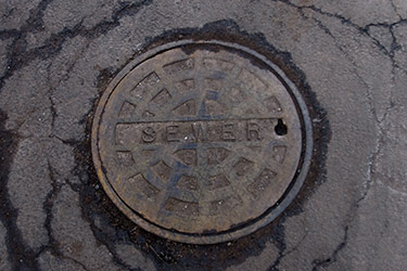 picture of sewer manhole